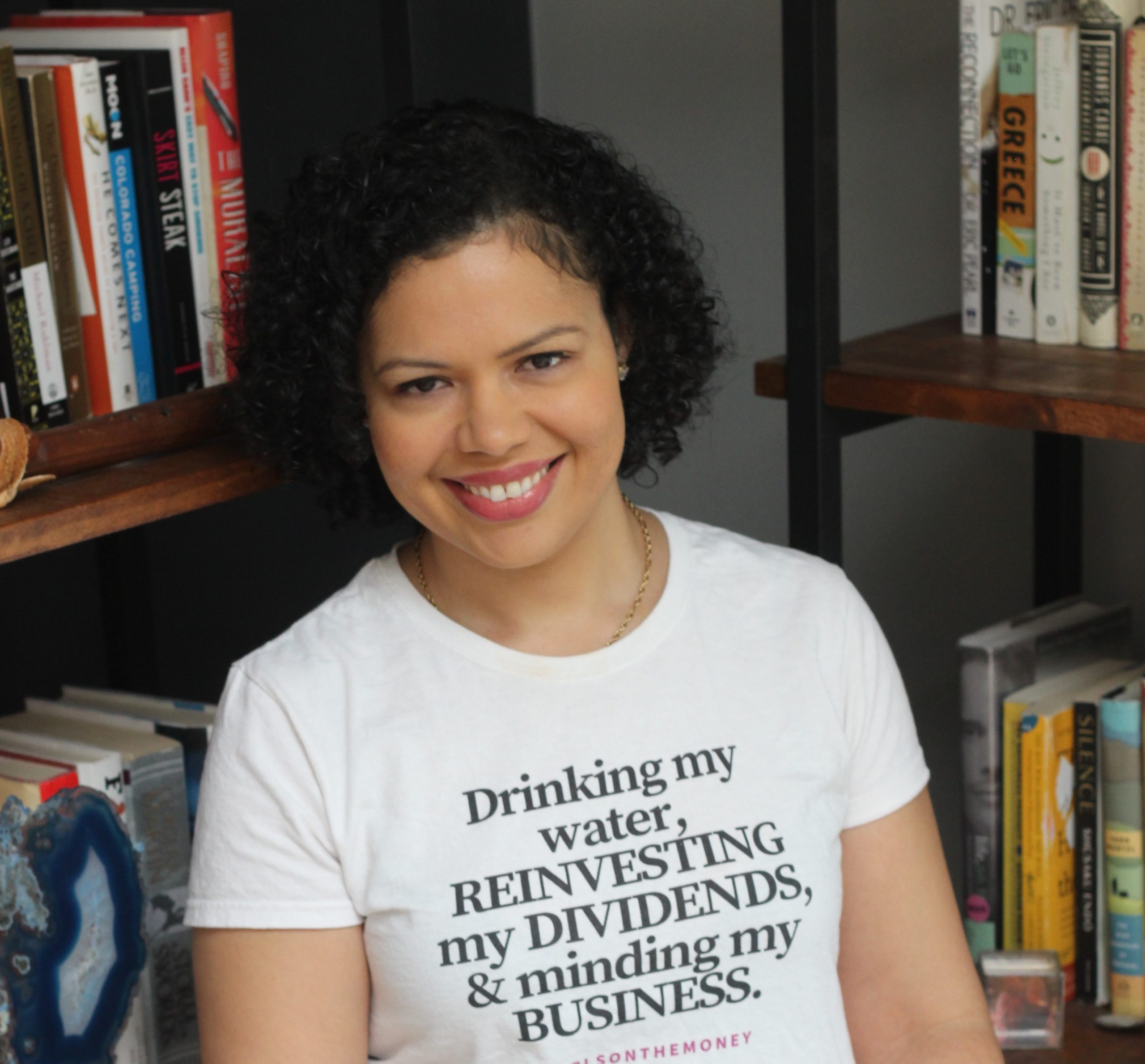Managing a scarcity mentality and prioritizing investing with Mabel of @girlsonthemoney
